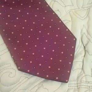 Brooks Brothers Red Tie With Pattern EUC